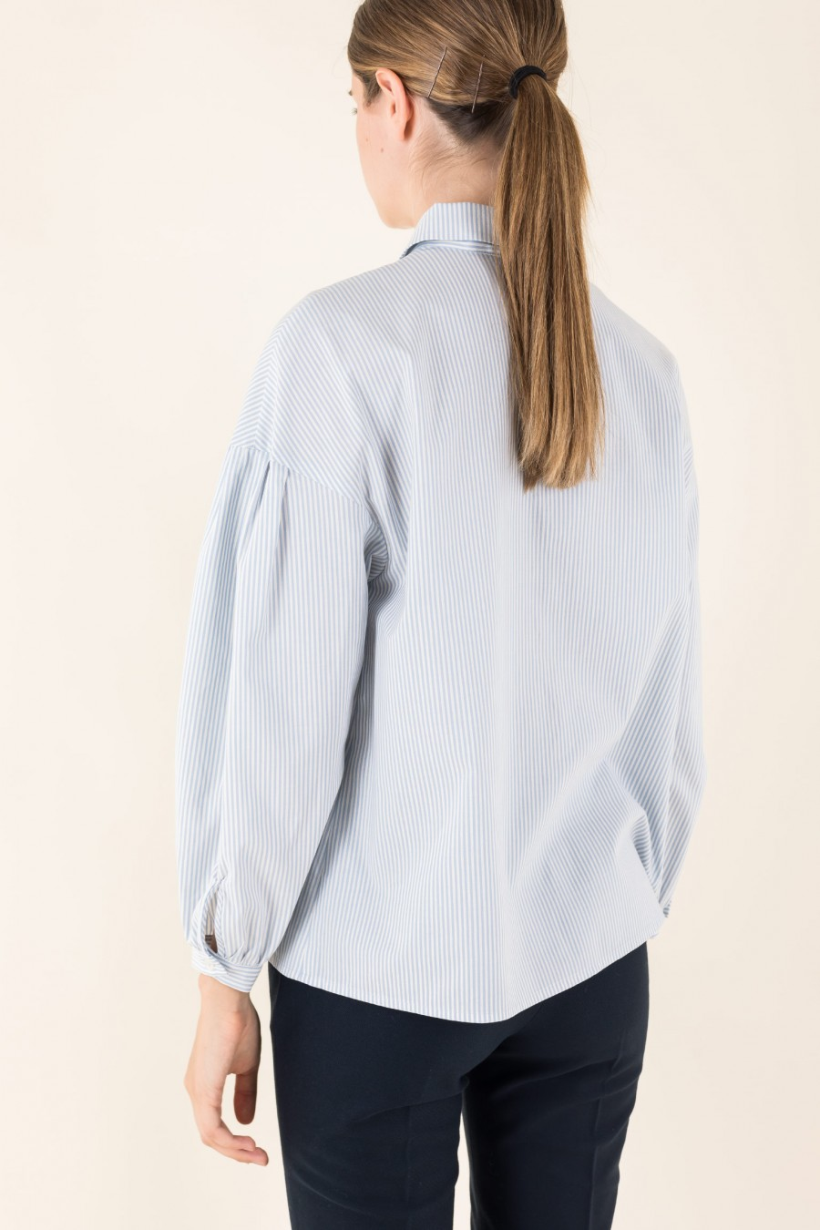 Shirt with puffy sleeves