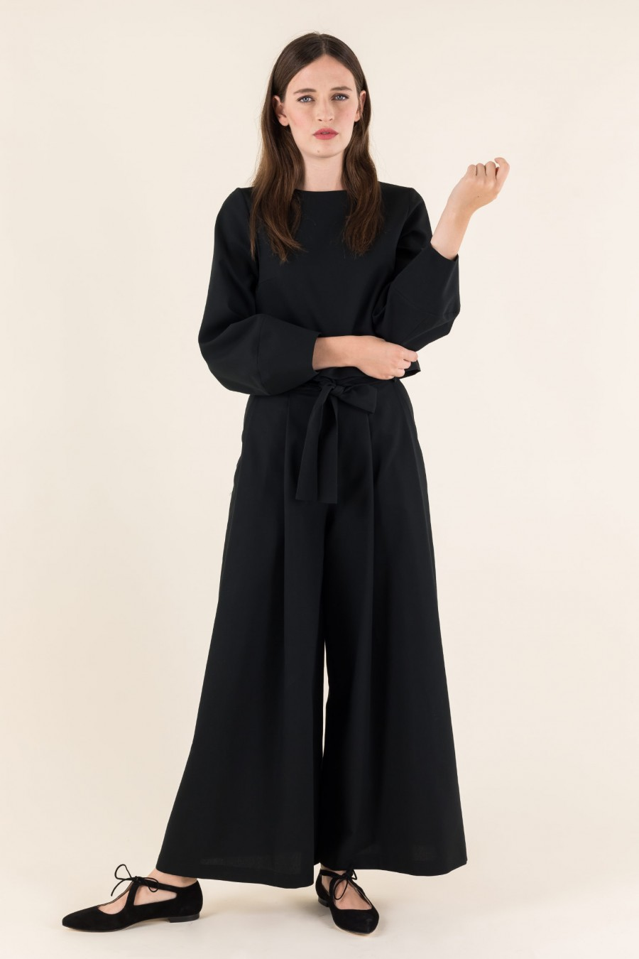 Blouse with built sleeves
