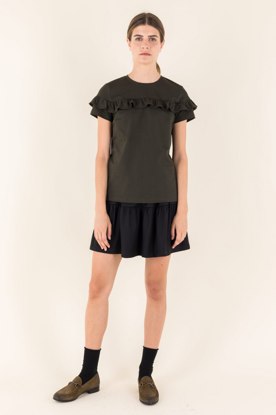Short sleeves t-shirt wit ruffle