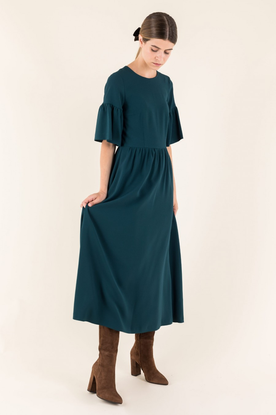 Longuette dress with bell sleeves