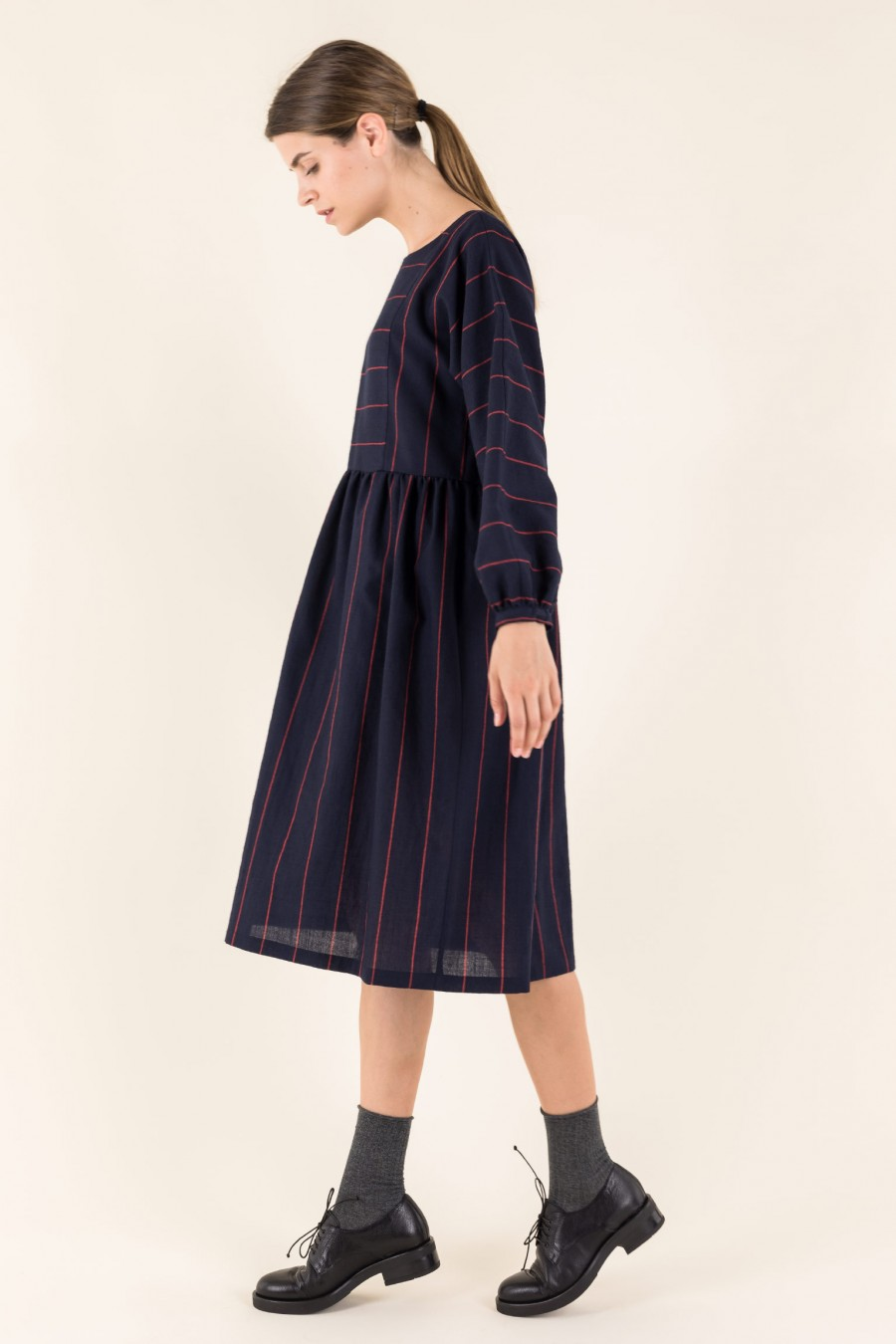 Wide dress in fine wool