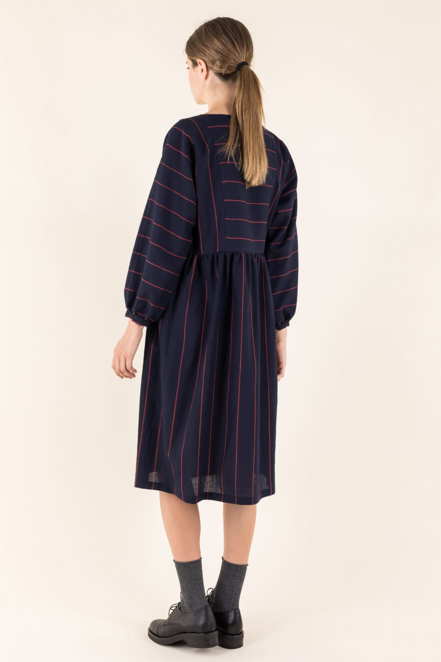 Casual dress in fine wool