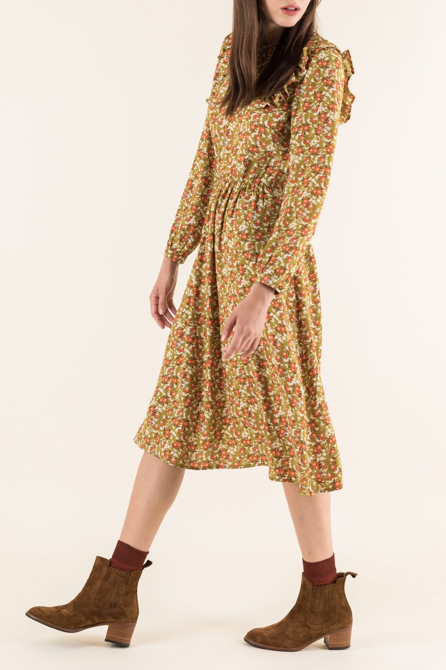 Dress with vintage pattern