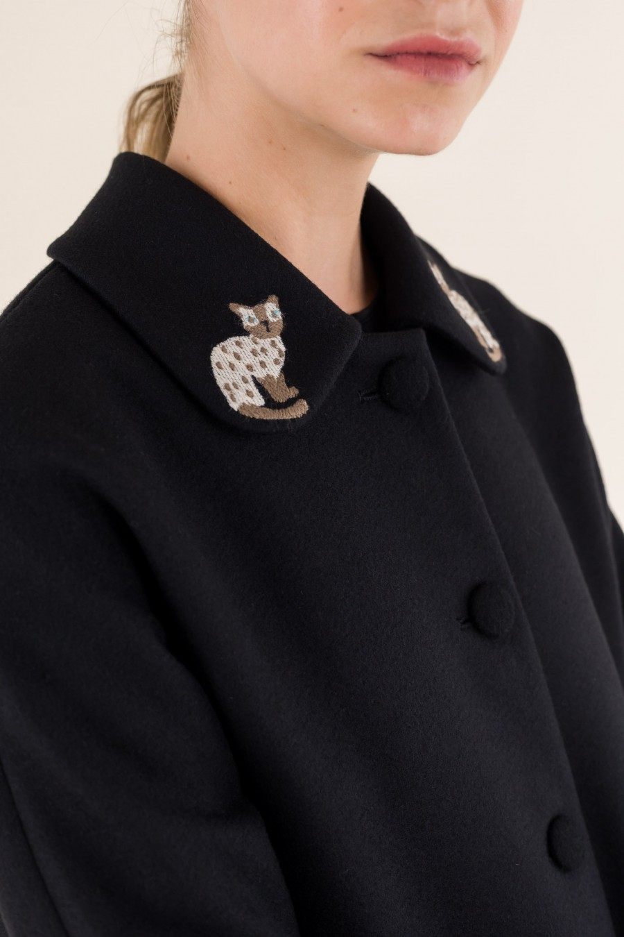 Black coat cat collar