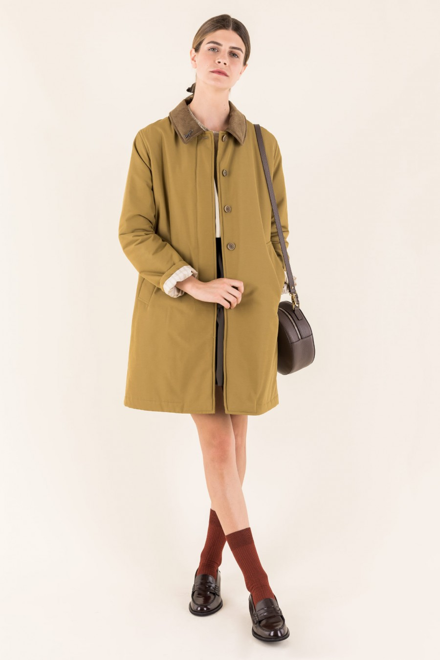 Beige overcoat with light padding and linings