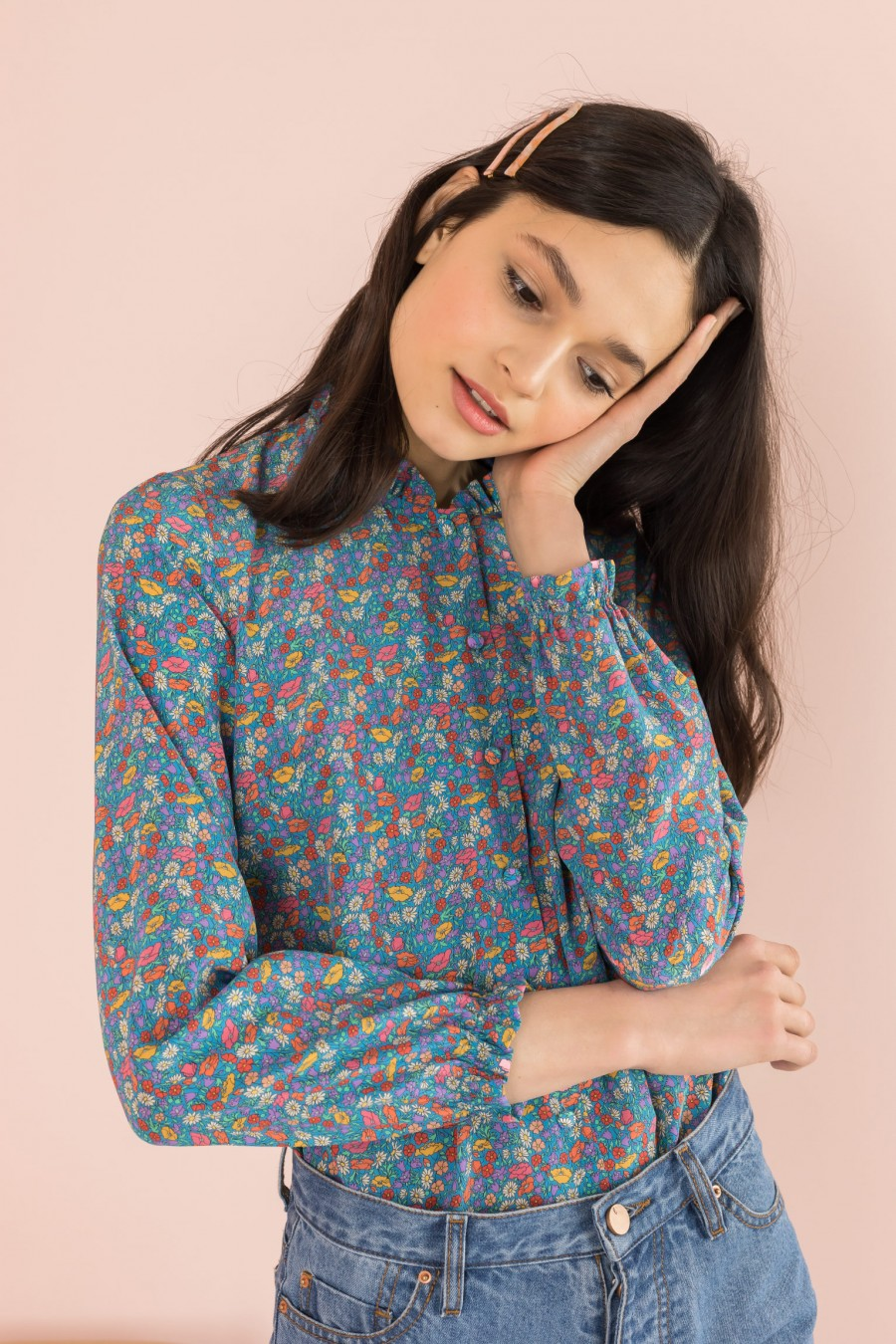 shirt with pattern and long sleeves