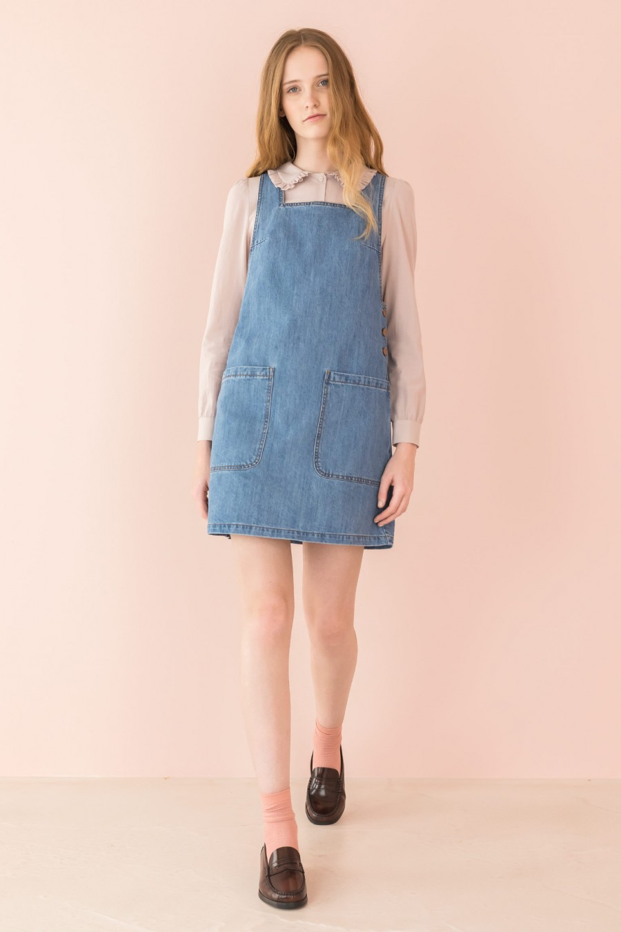 pinafore dress in light jeans with pockets