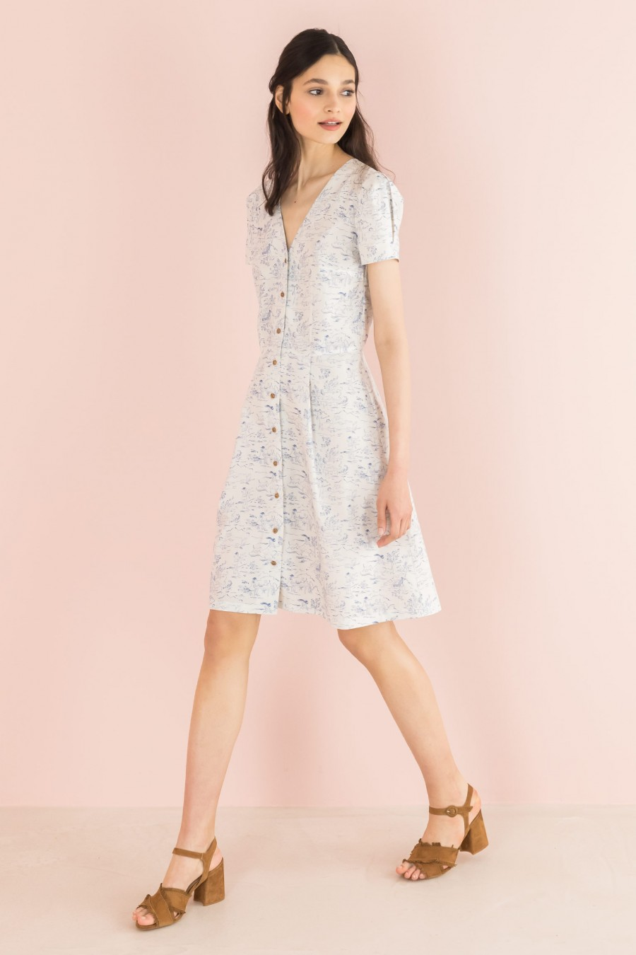 shirt-dress with deep neckline and short sleeves