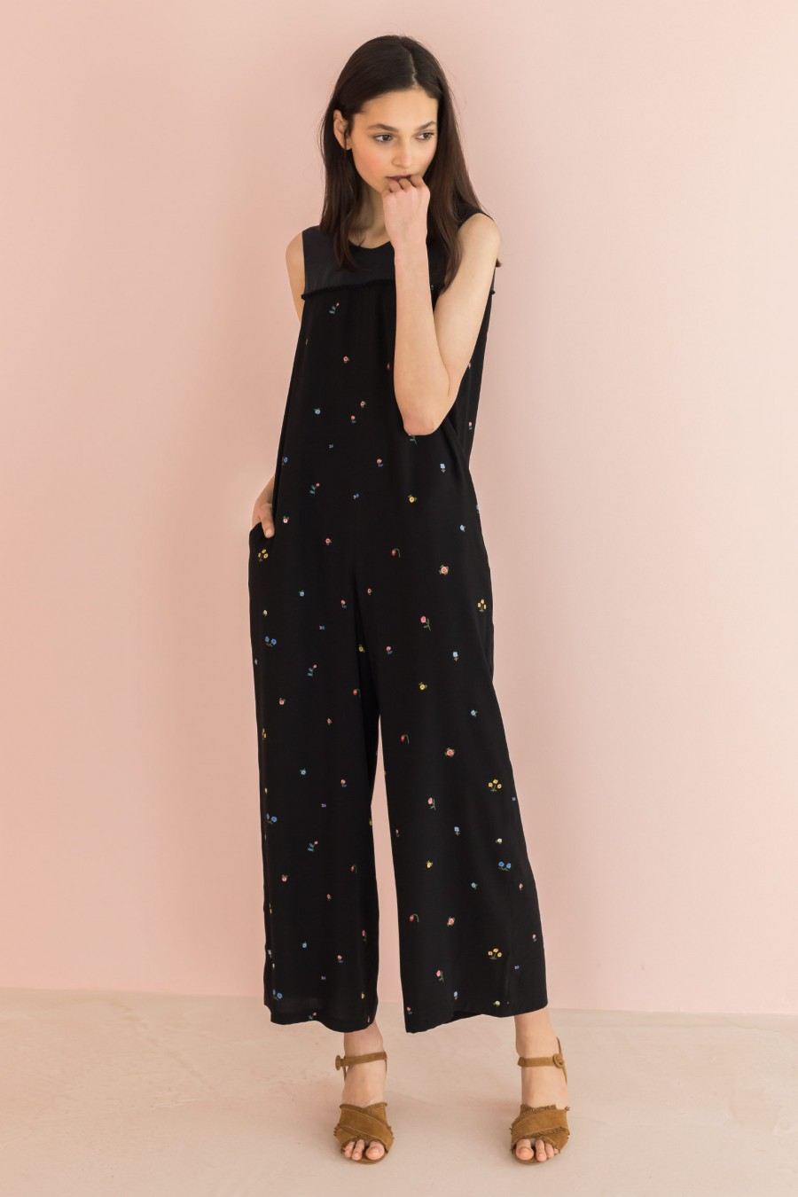jumpsuit with floral patterned