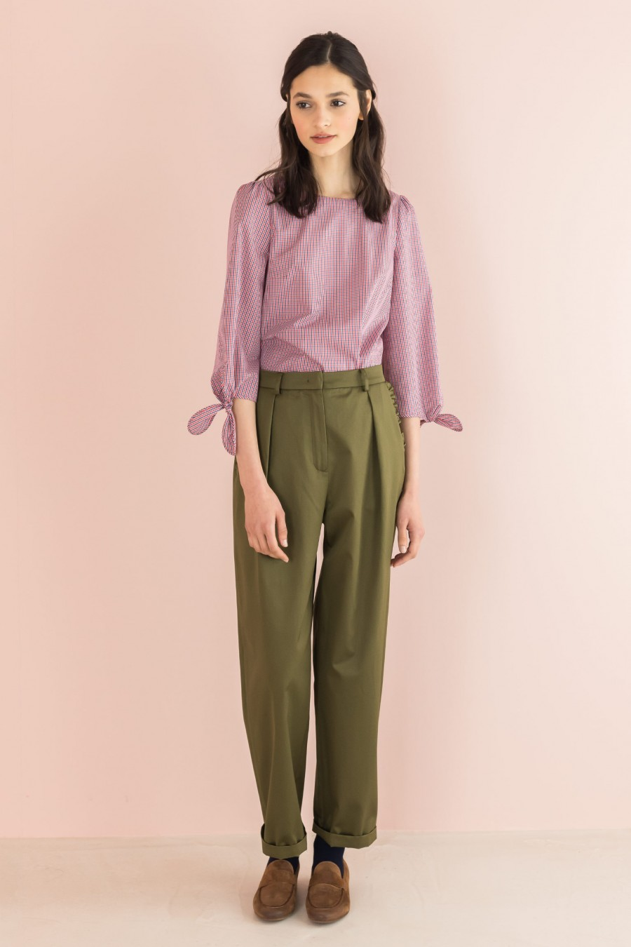 military egg-shaped trousers with ruffles