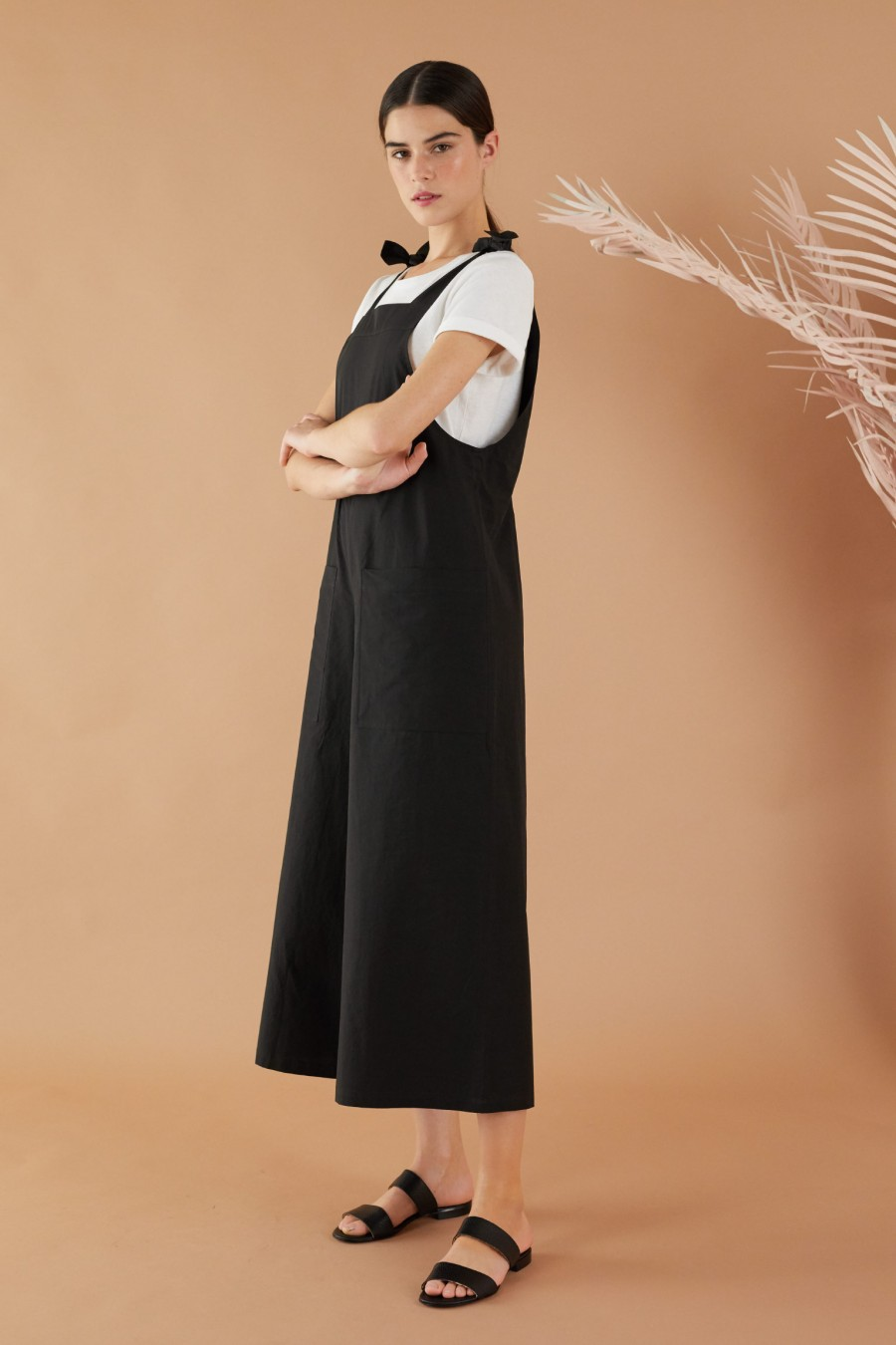 Summer jumpsuit with wide legs