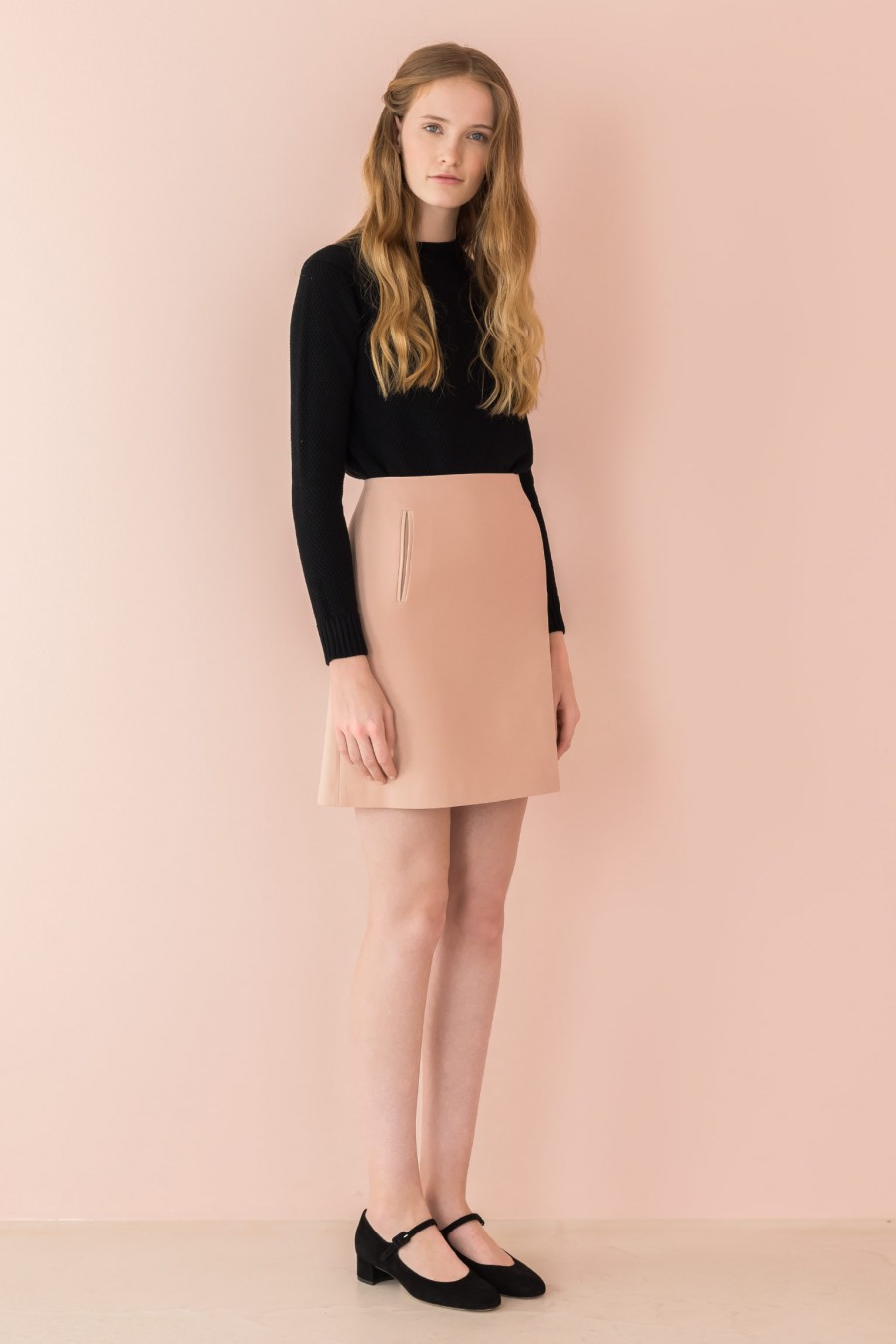A-line skirt with leather finishing