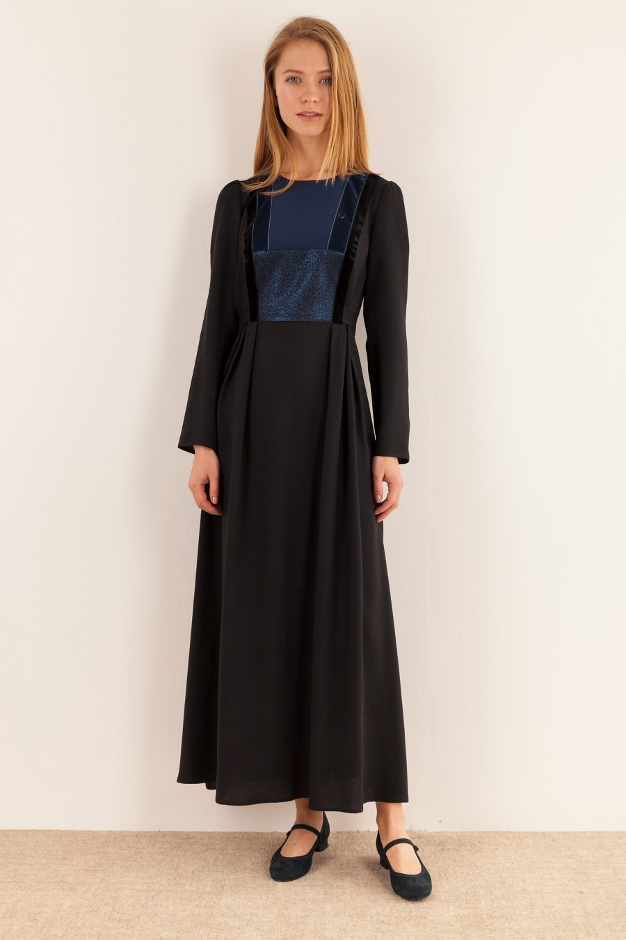 Long dress with velvet and lurex inserts
