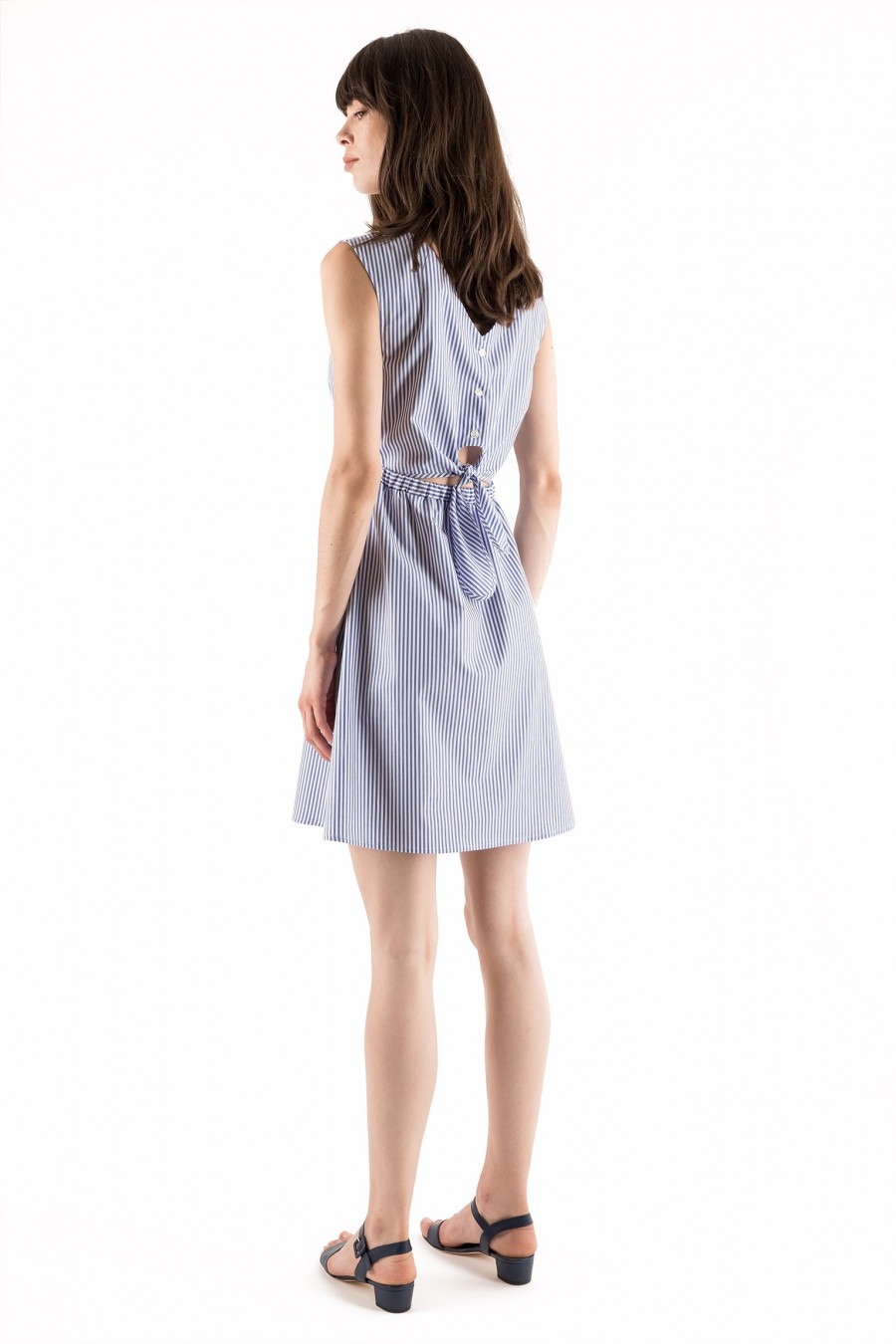 Summer dress with bow on the waist
