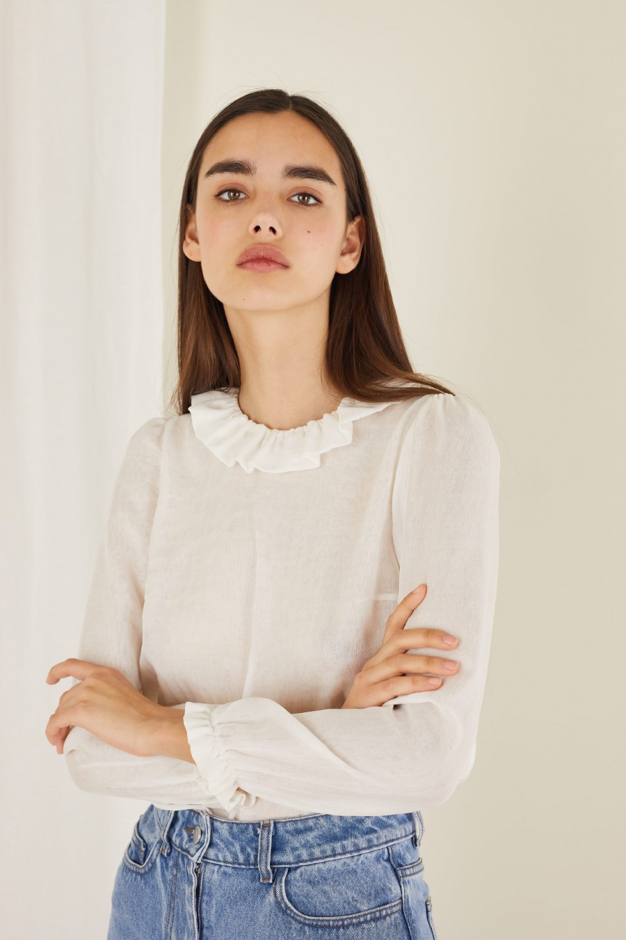 white blouse with pierrot collar