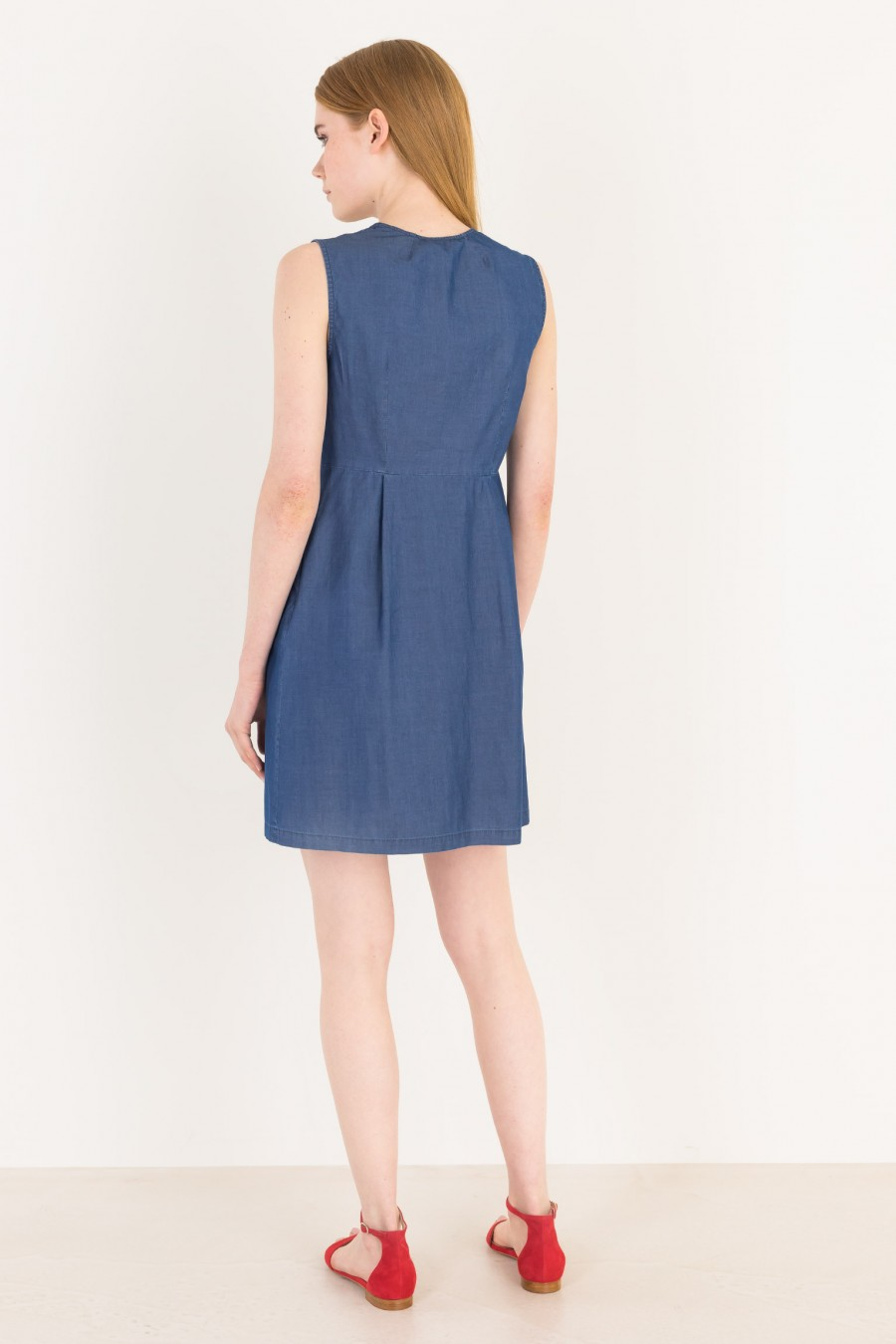 Summer dress with knot