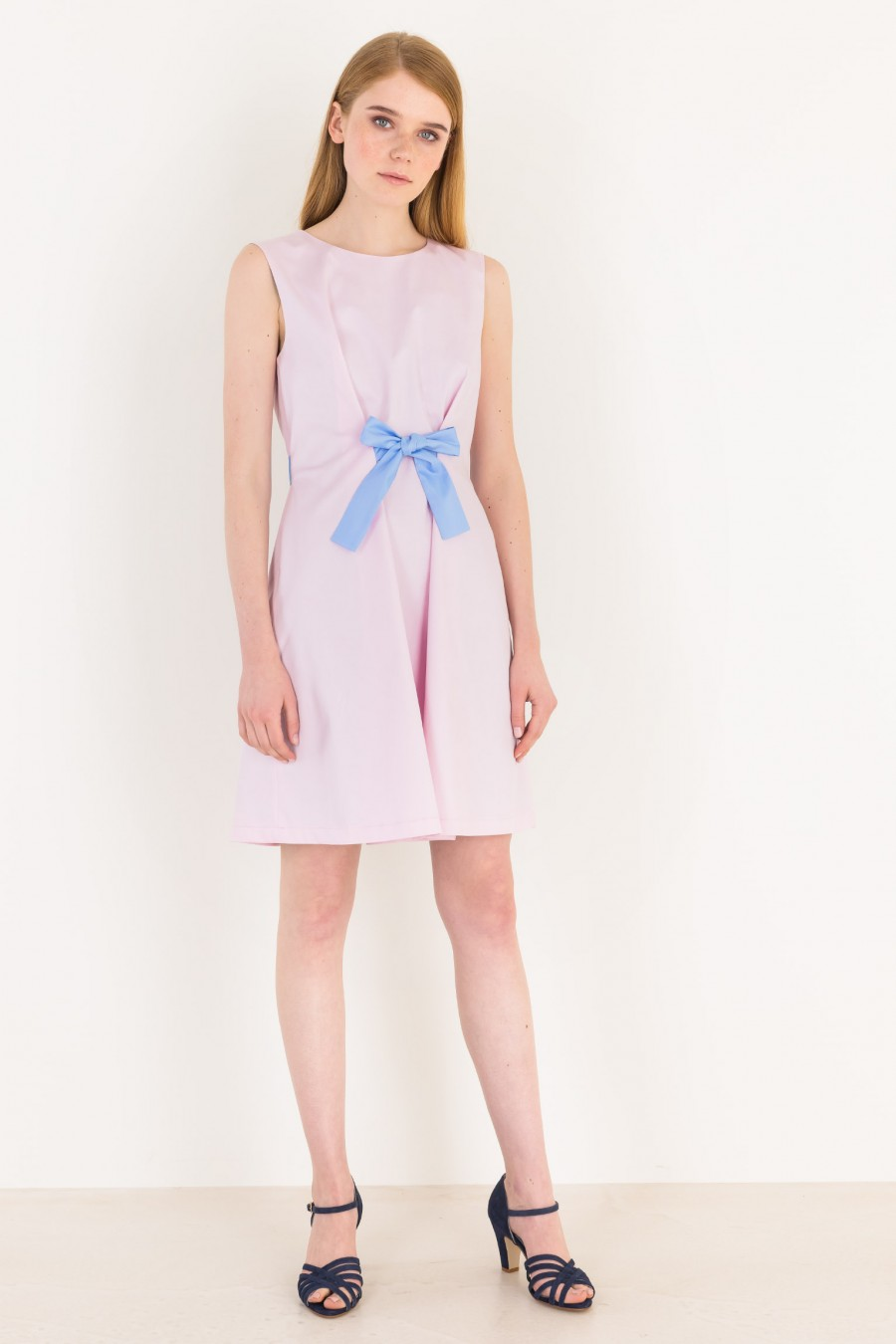 Pink a-line dress with ribbon