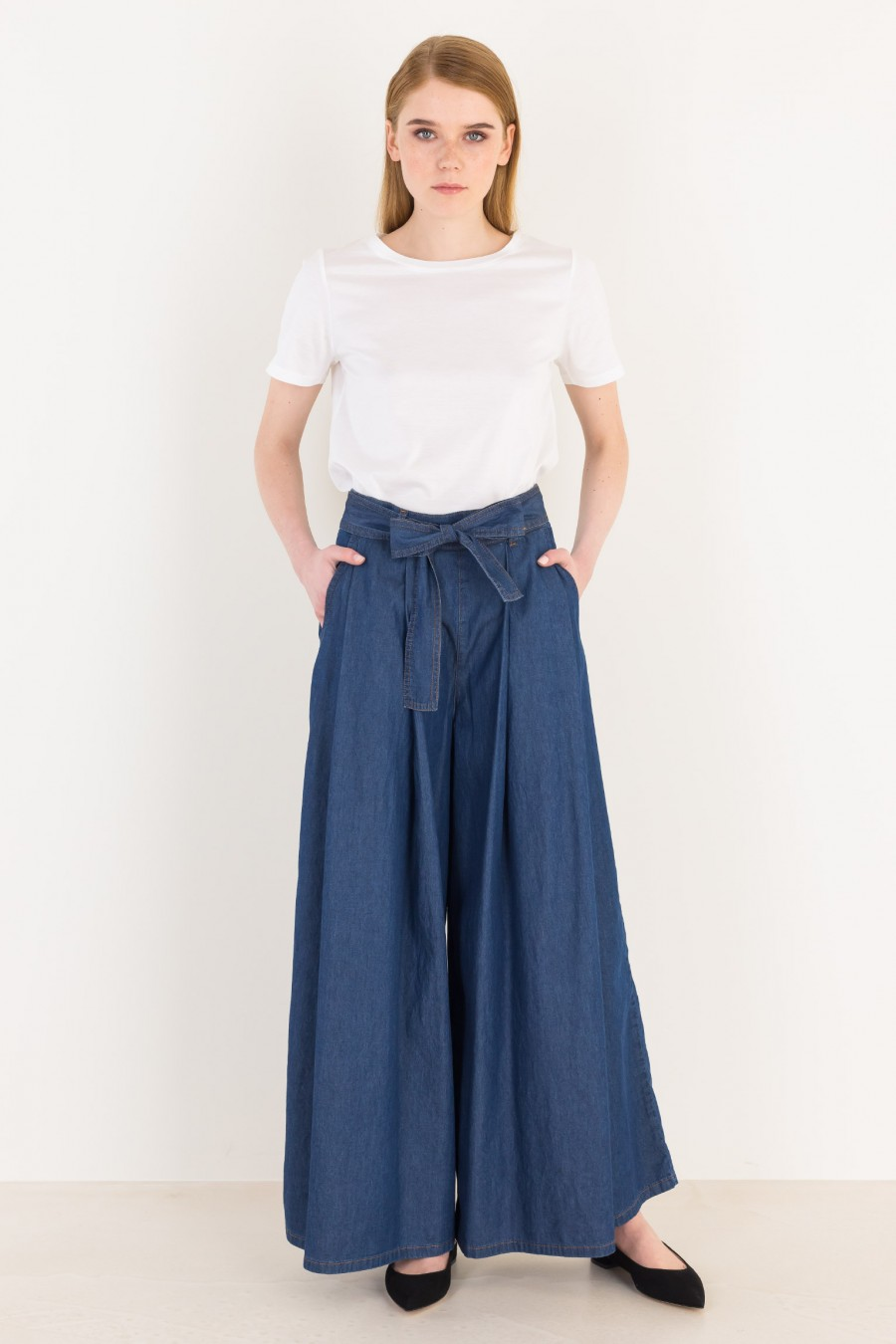 Demin trousers with belt