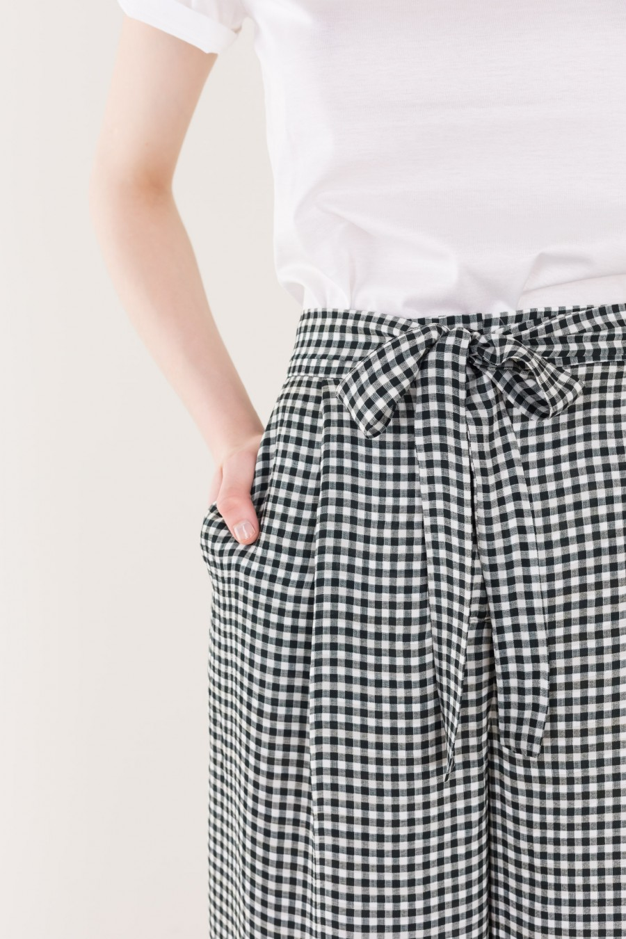 Black and white flowing trousers