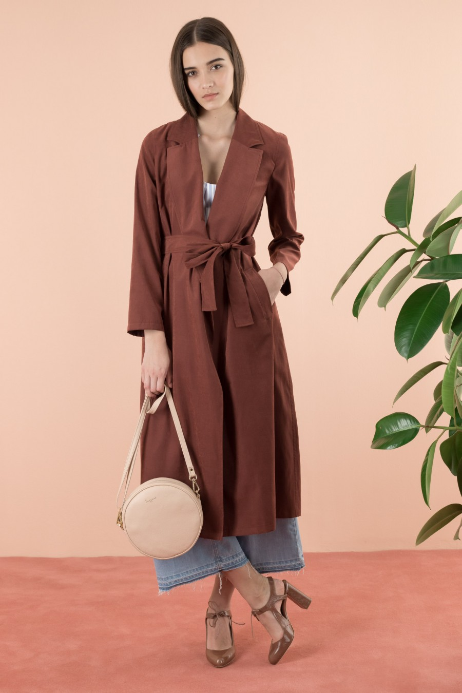 Overcoat made of a light and soft fabric