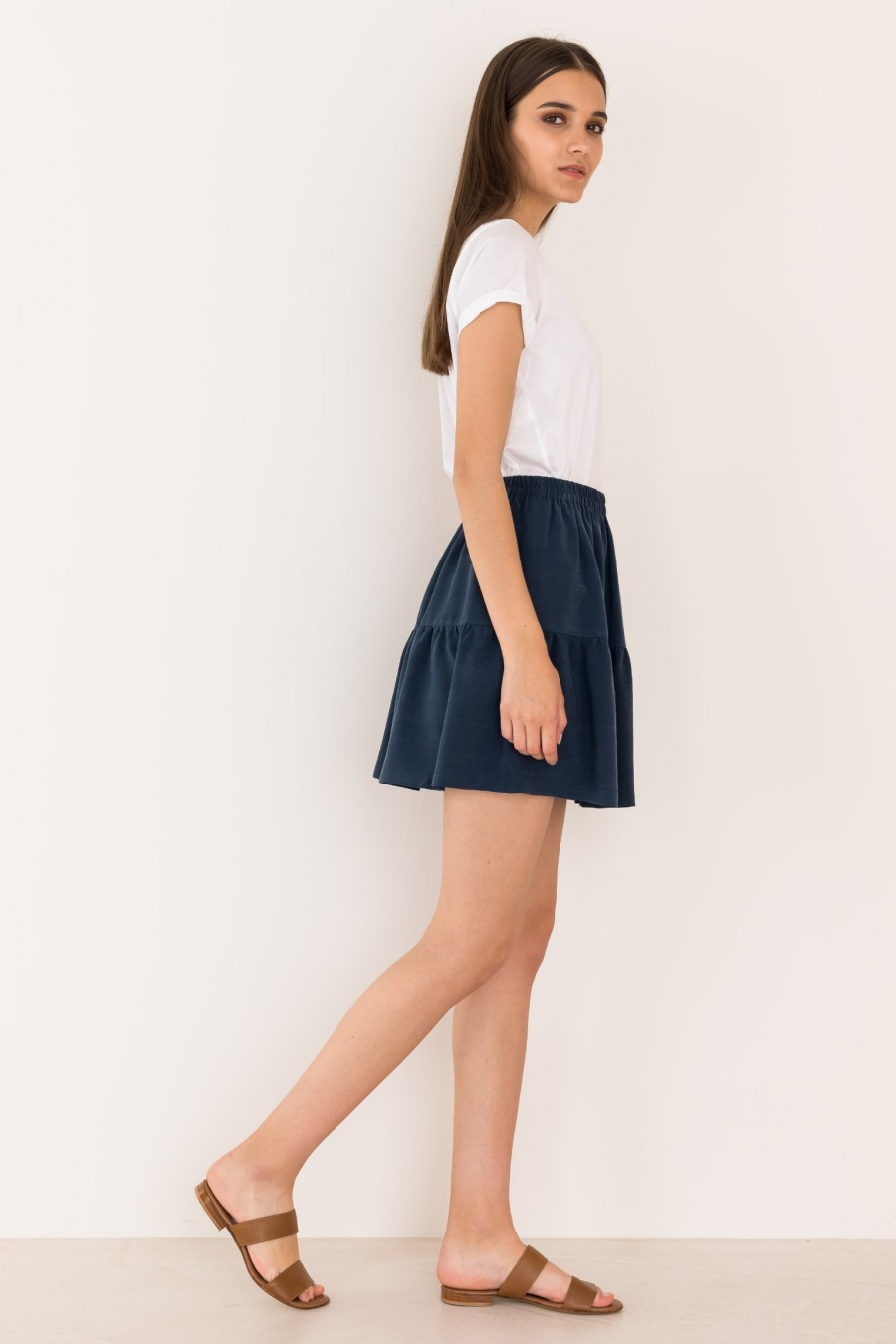 Curling skirt with ruffle