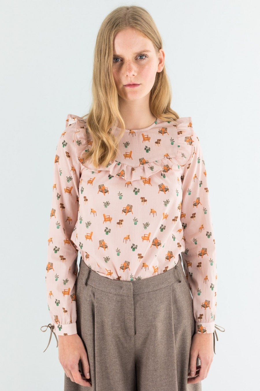 Popeline shirt with tiny chairs