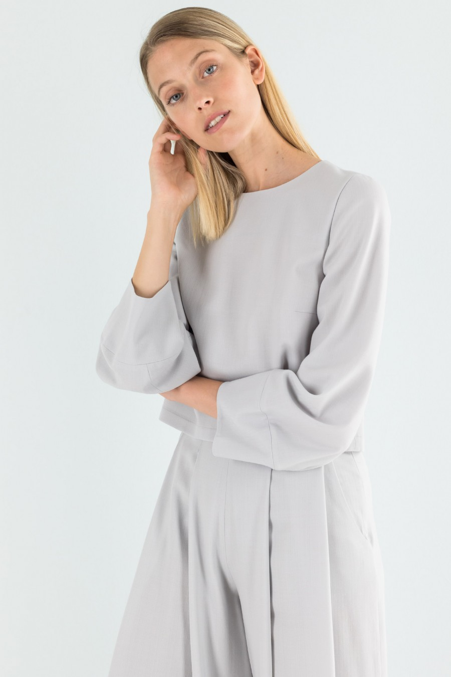 Long sleeved pearl grey top