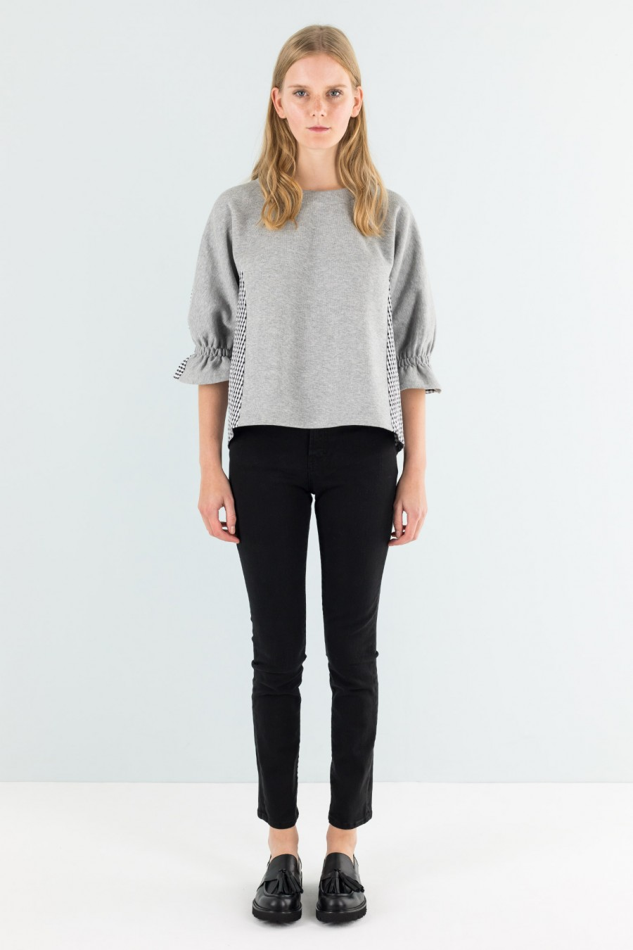 Sweater with ruffled sleeves