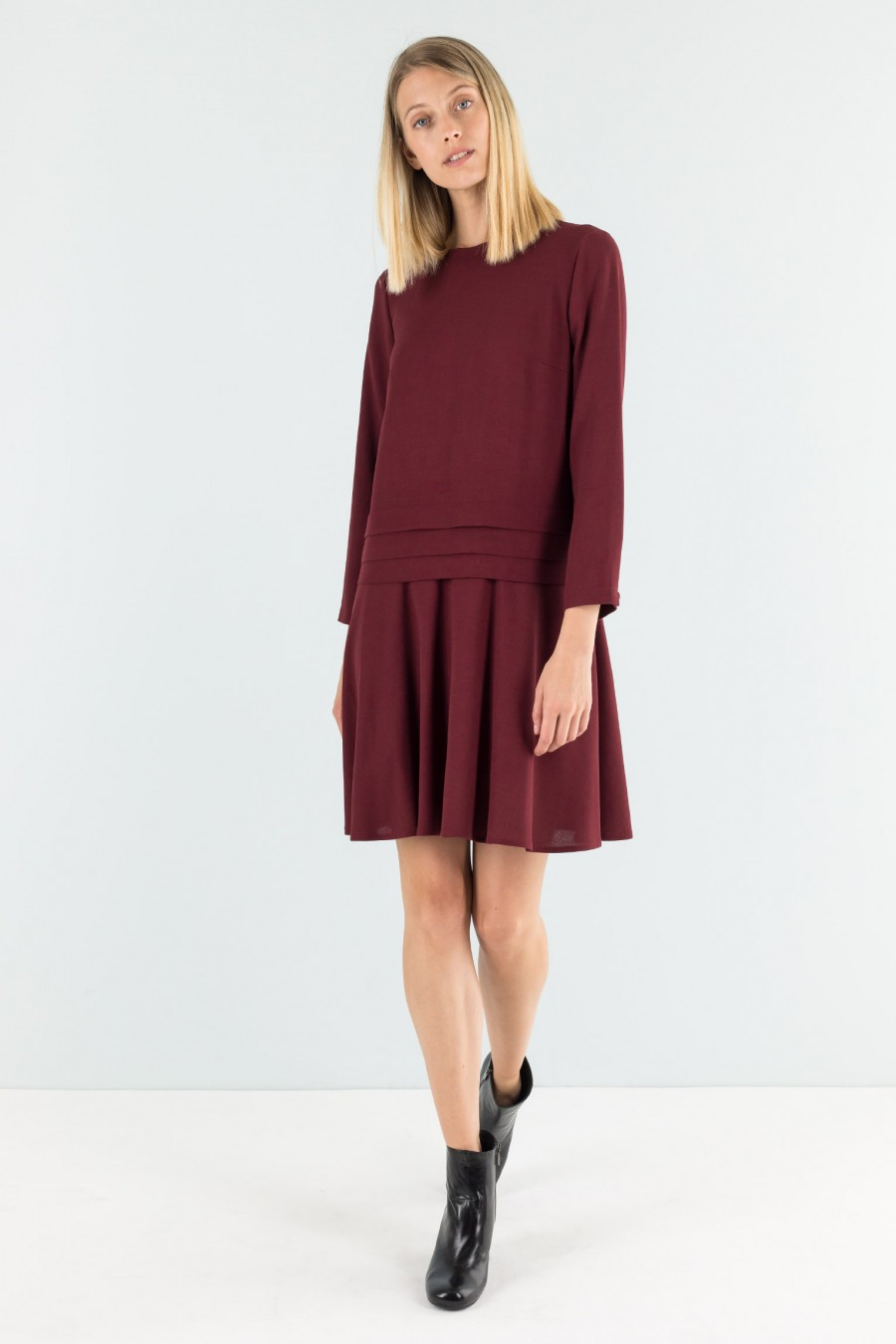 Low waist burgundy dress