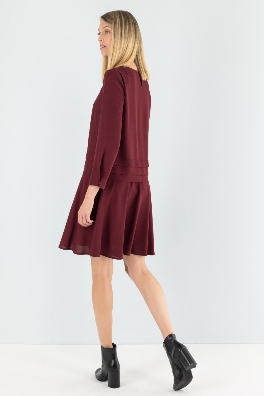 Long sleeves burgundy dress