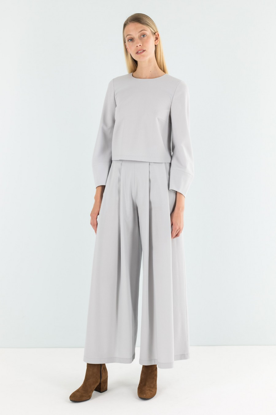 Pearl grey pleated trousers