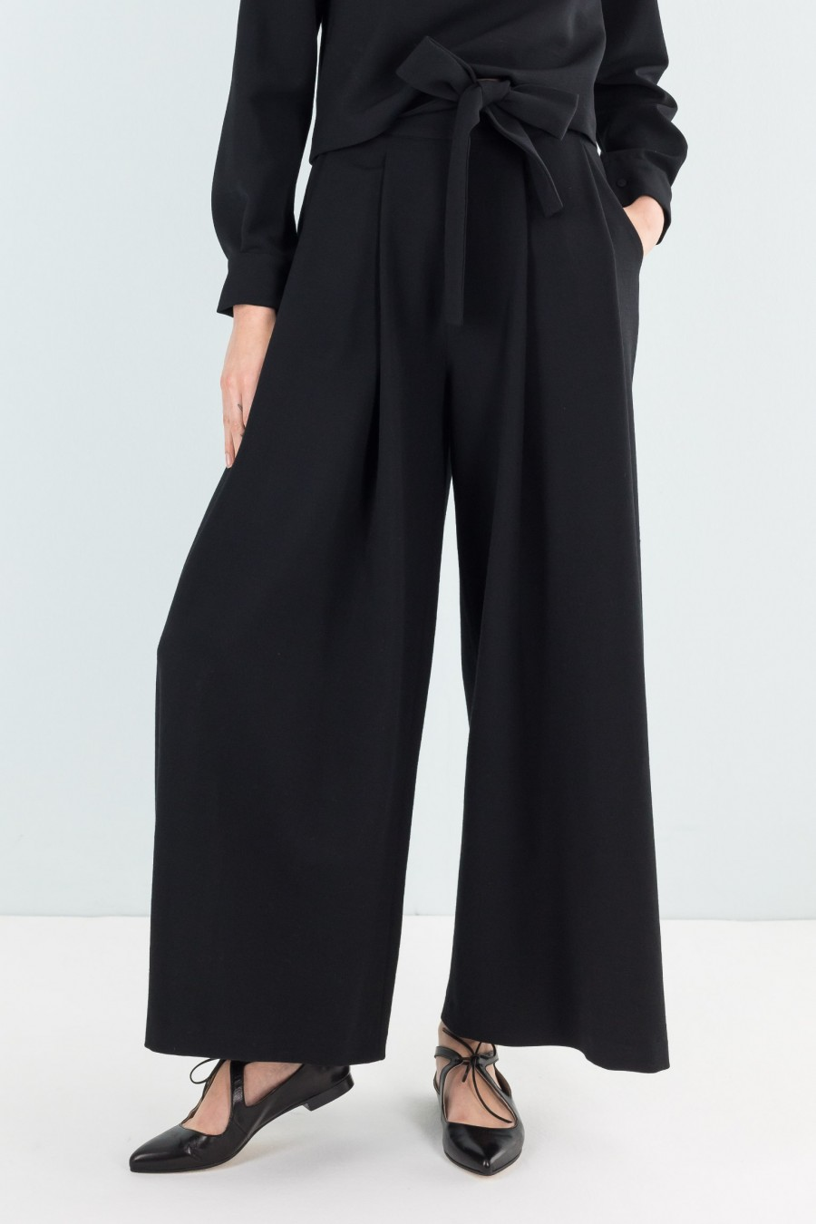 Wool culottes with ribbon