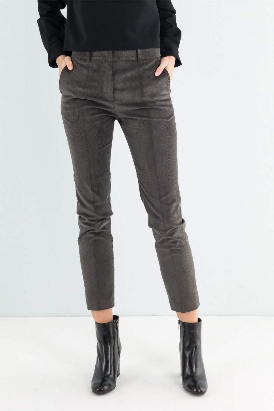 Needle cord skinny trousers