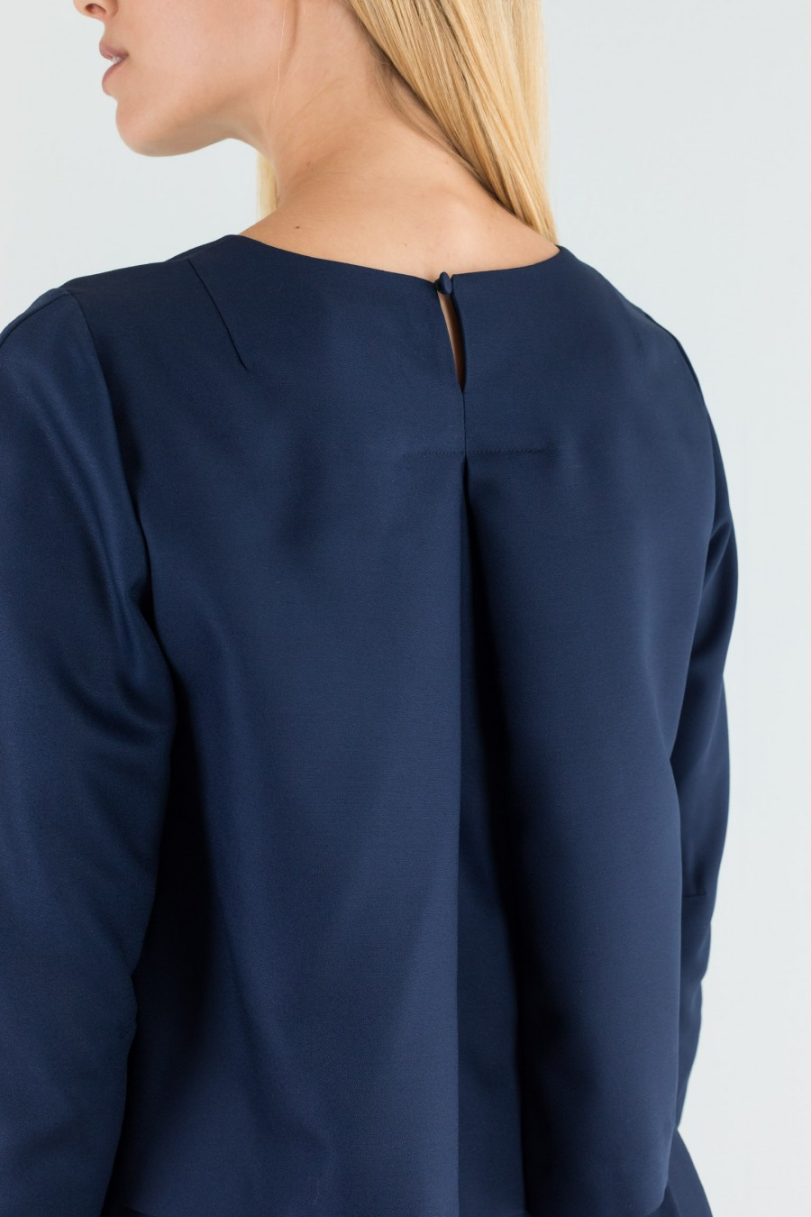 Navy blue outfit in thin wool