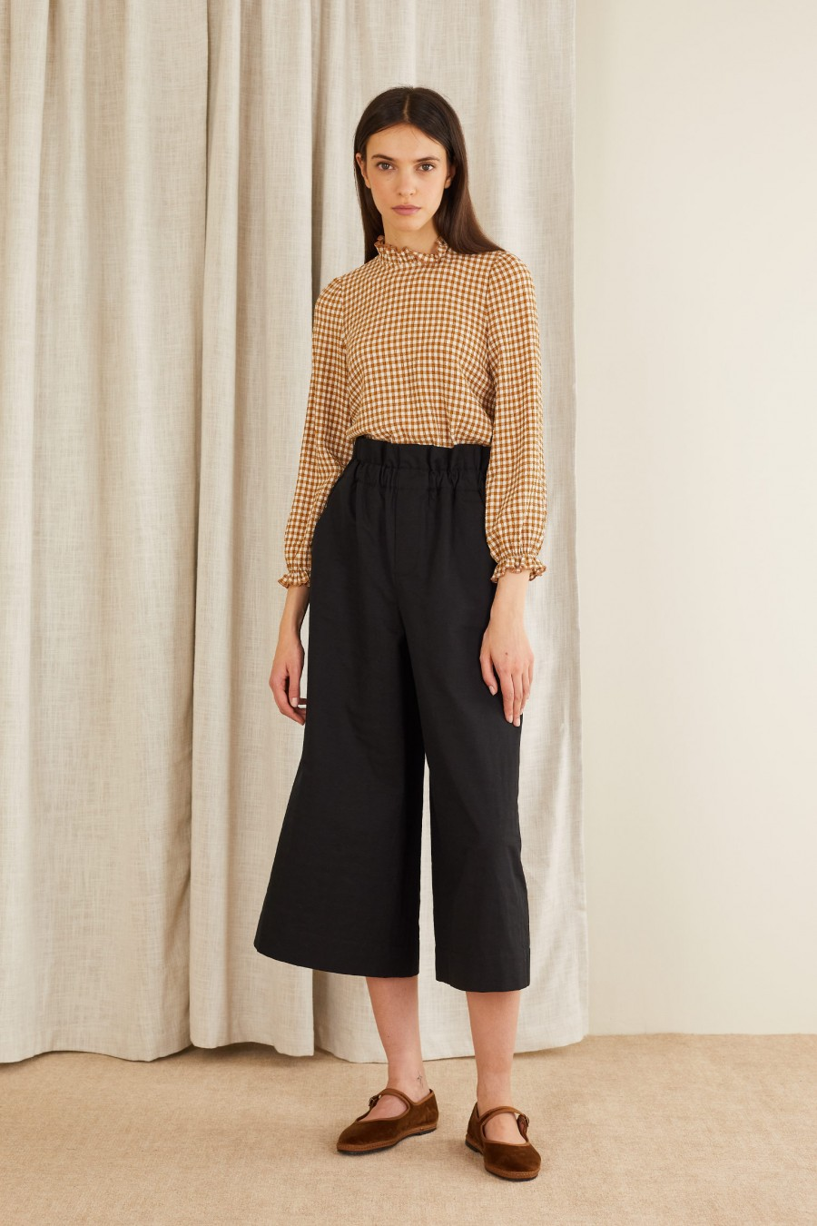 Linen-blend trousers with elastic waistband