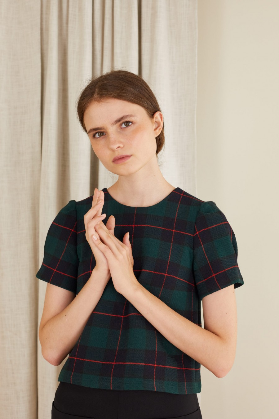 Short-sleeved tartan blouse in stretch double fabric