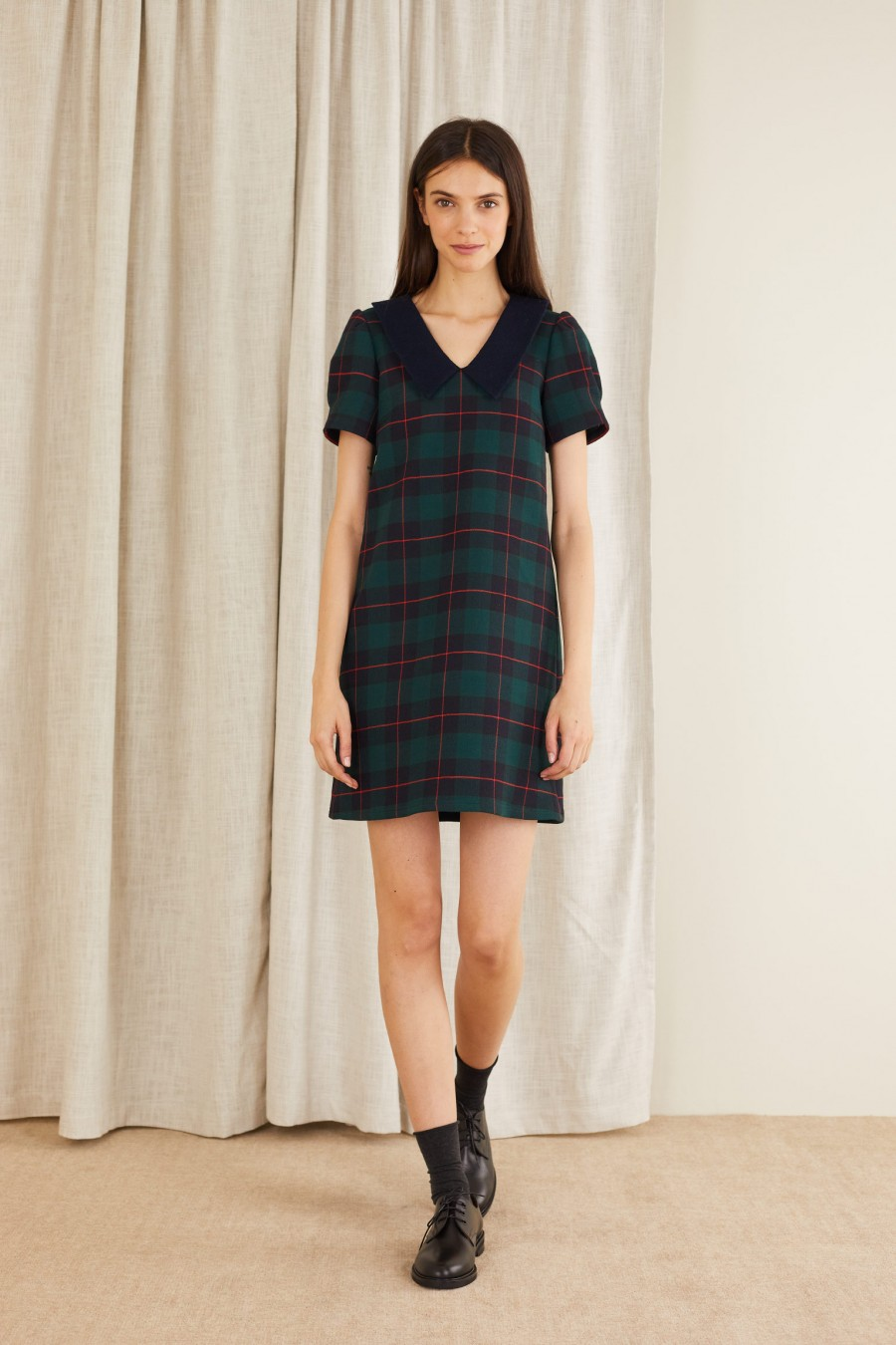 Short-sleeved tartan dress in stretch double fabric