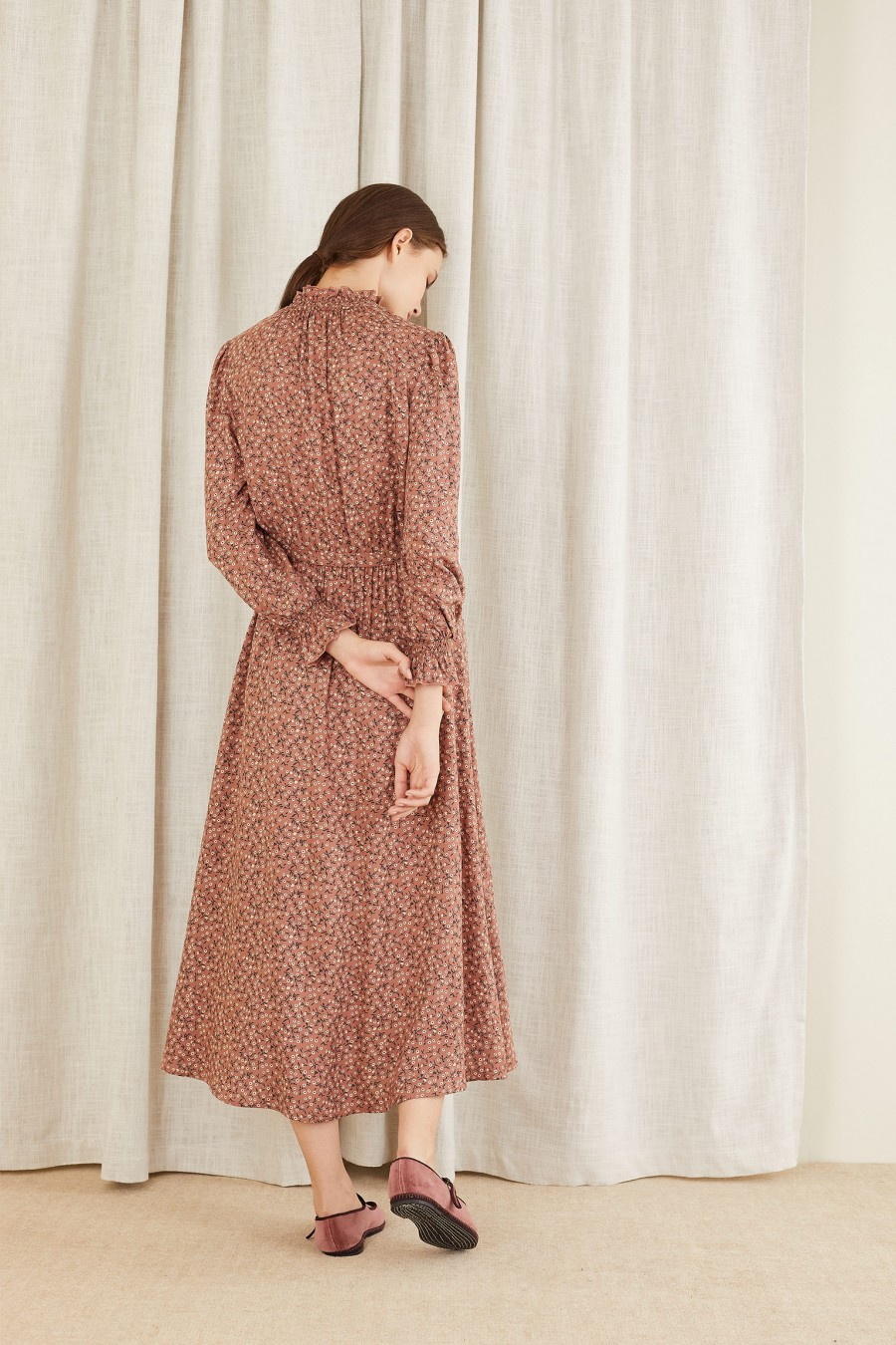 floral dress with gathered cuffs