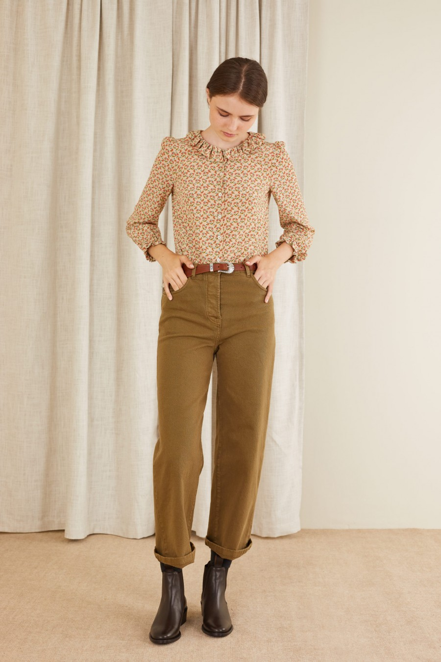trendy look with straight trousers