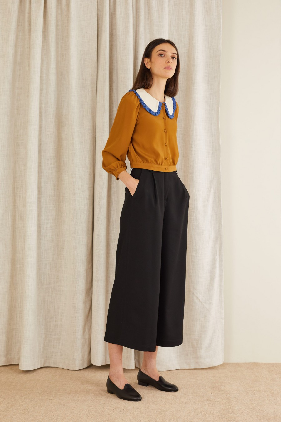 comfortable and elegant fluid trousers