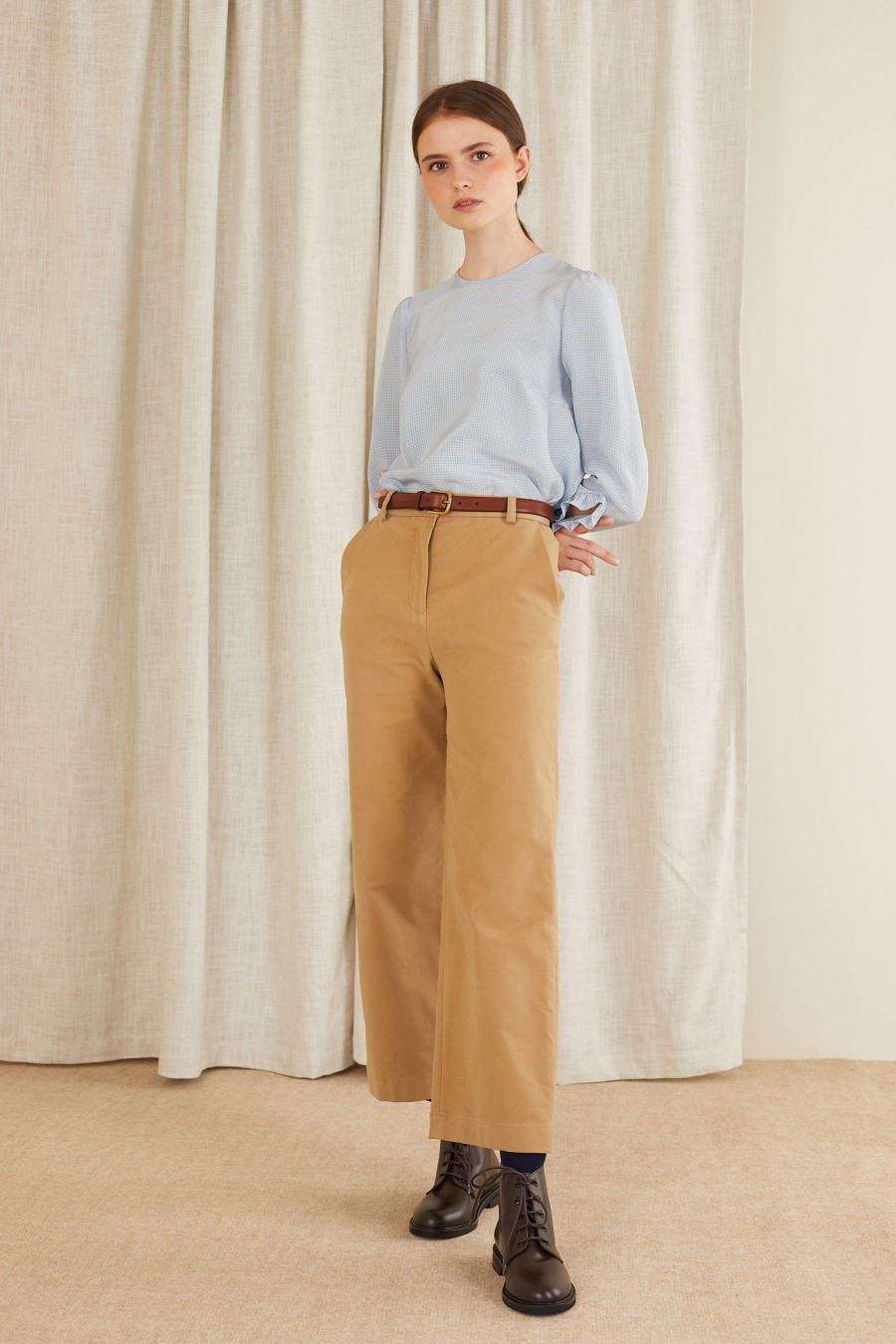 beige trousers 100% cotton