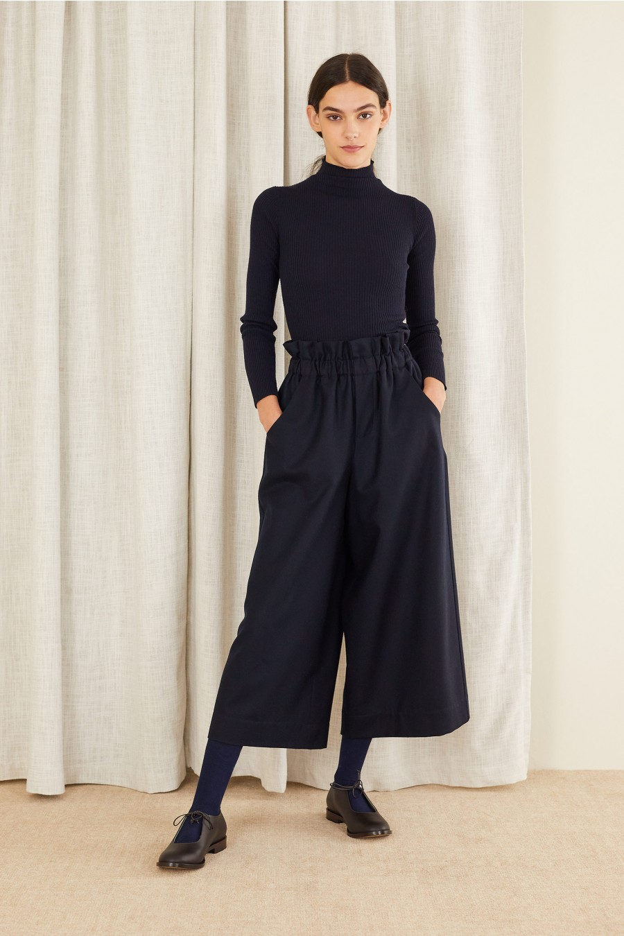 Wide wool trousers with elastic waistband