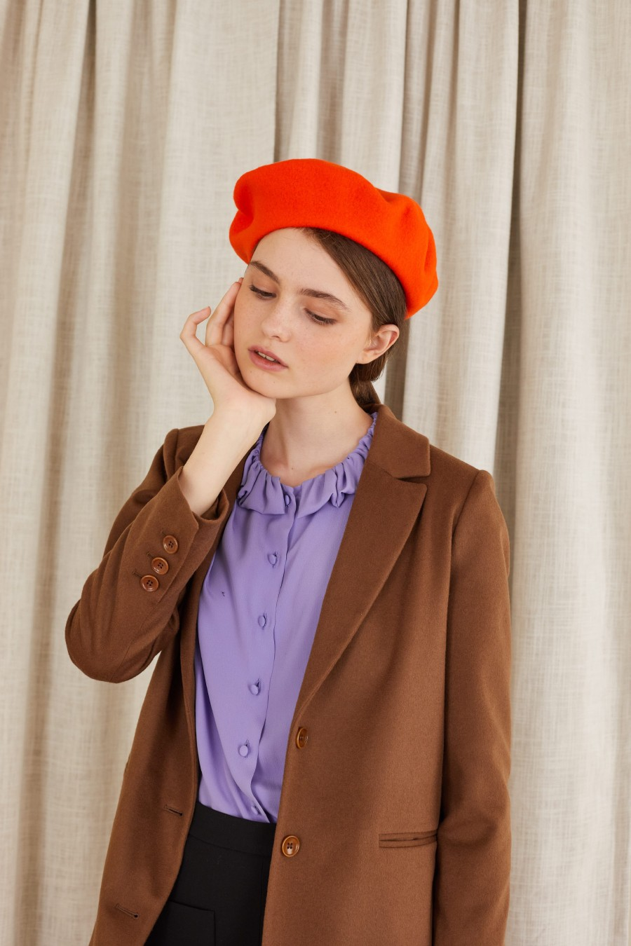 french look with red beret