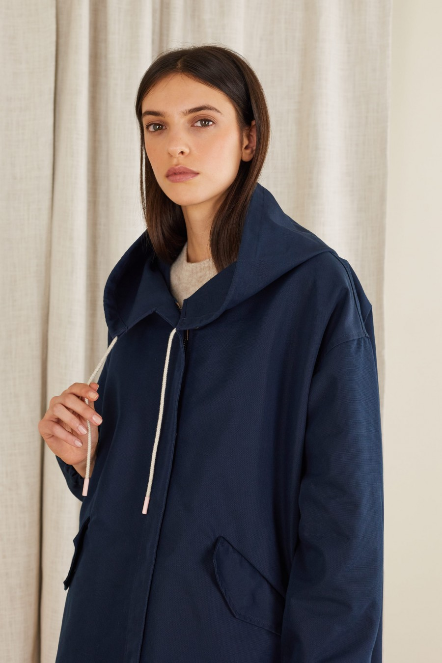 Egg-shaped parka in technical fabric