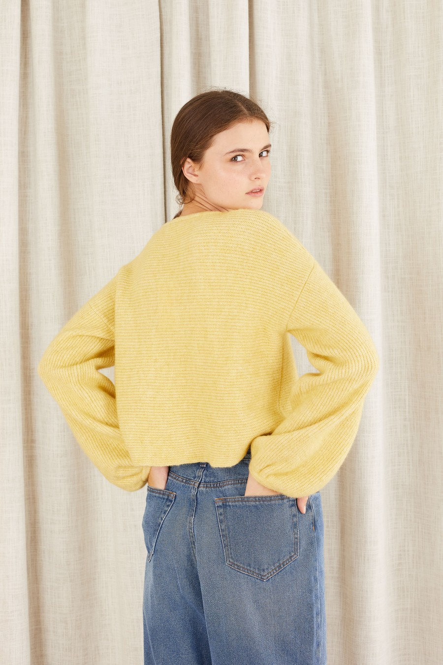 pastel yellow cropped jumper