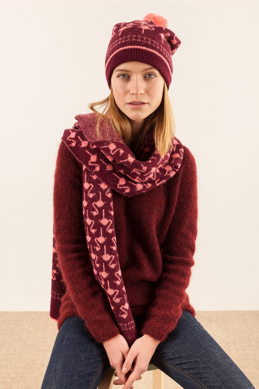 Flamingos scarf and hat winter