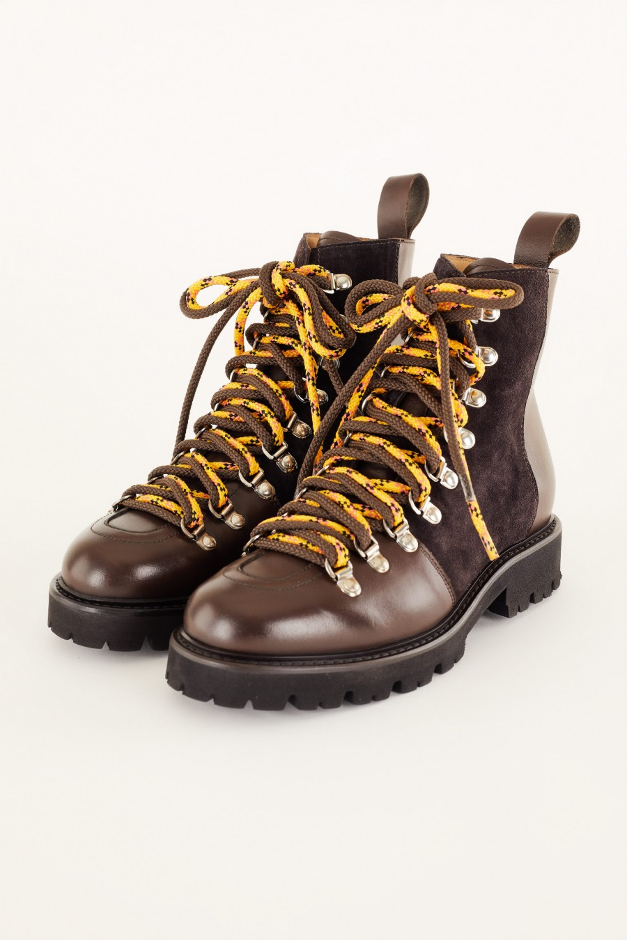 brown pedula-style boots
