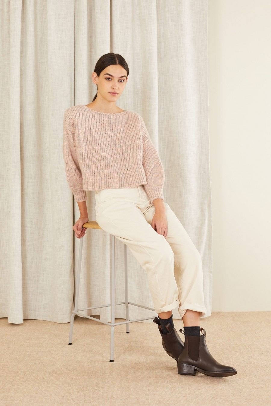 Cropped sweater with boat neckline
