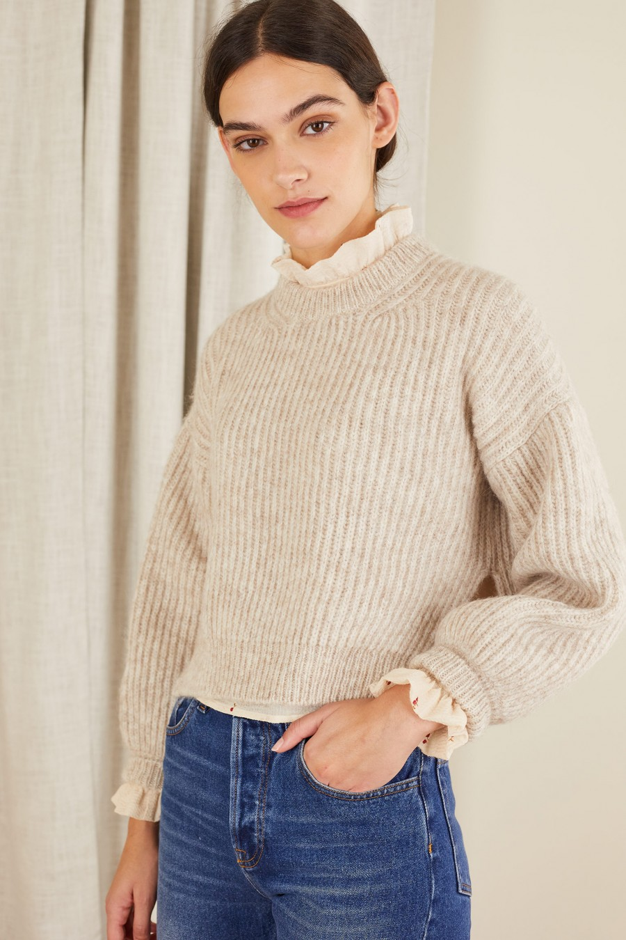 Cropped ribbed sweater with side splits
