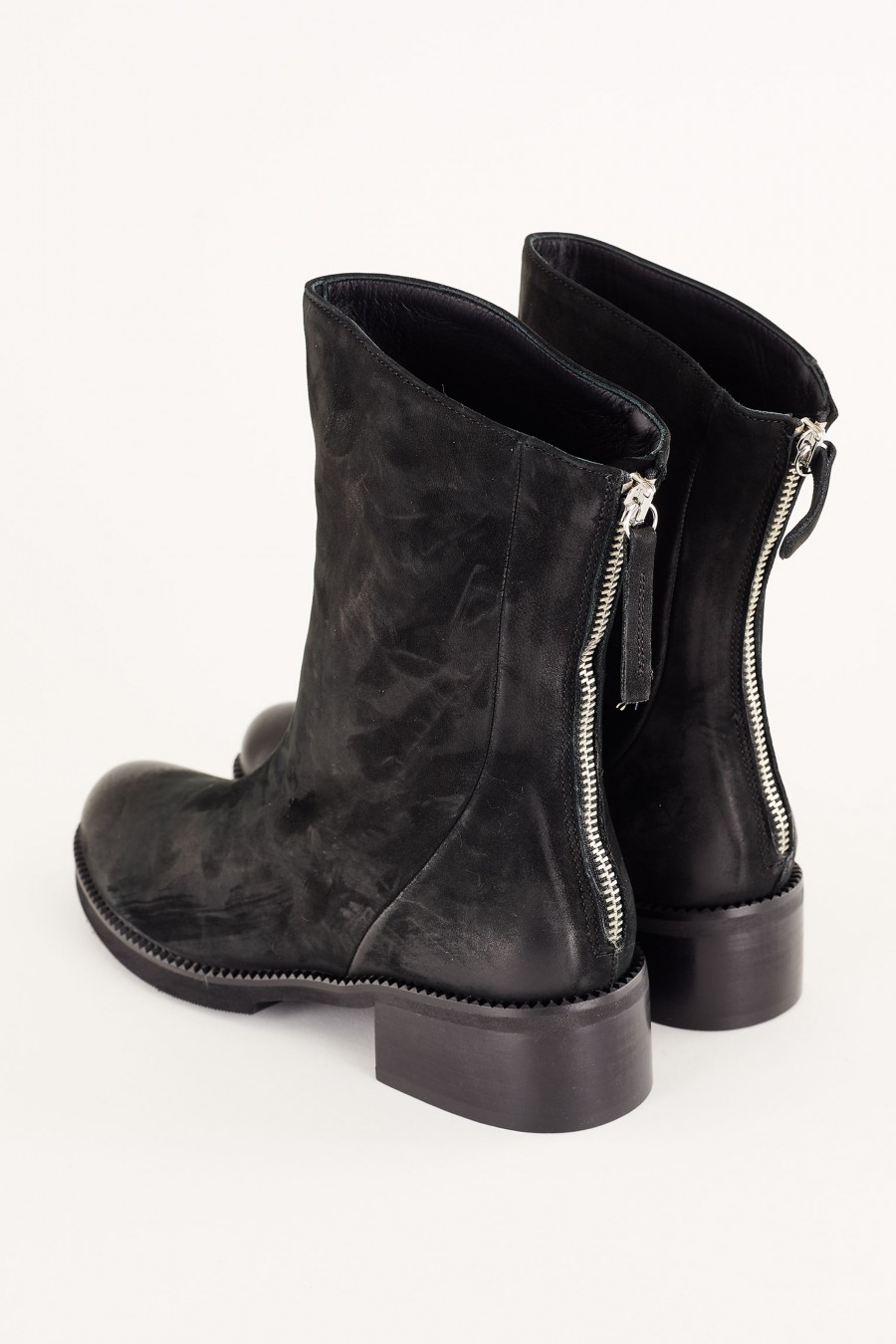 casual boots with zip at the back